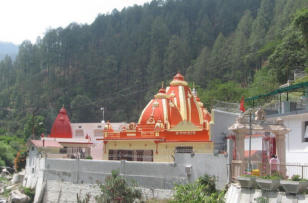 kainchi-dham_nainital-tourist-places
