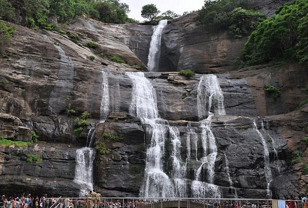 courtallam-falls_kanyakumari-tourist-places