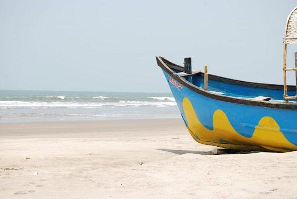 Mandrem Beach In Goa for Honeymoon