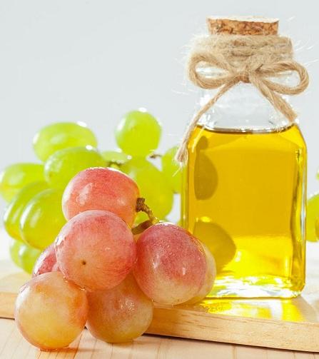 grape seed oil for dark circles