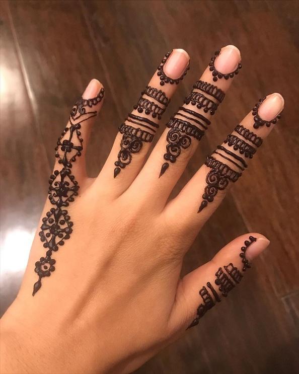 Unique Finger Mehndi Design