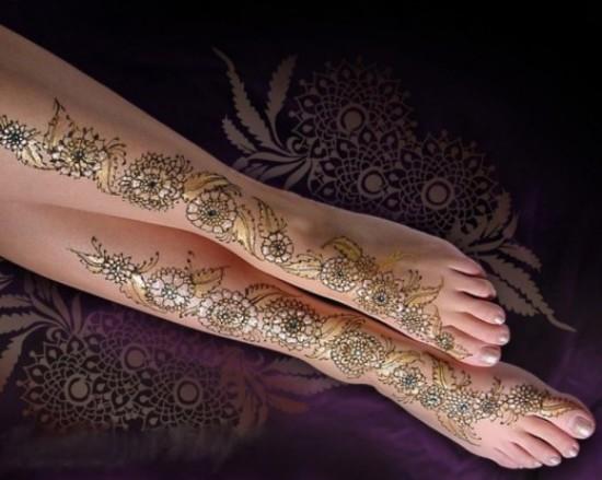 Golden Glitter Girl Mehandi Designs