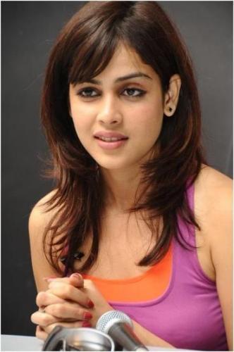 Indian Haircut For Medium Hair Soft Curls With Long Bangs