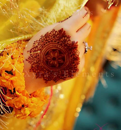 Traditional Round Mehndi Designs