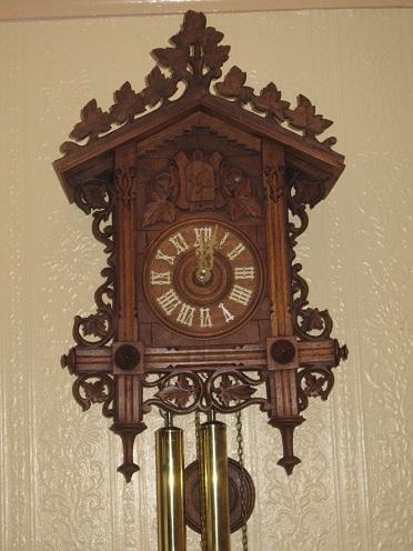8 Day Vintage Cuckoo Clock