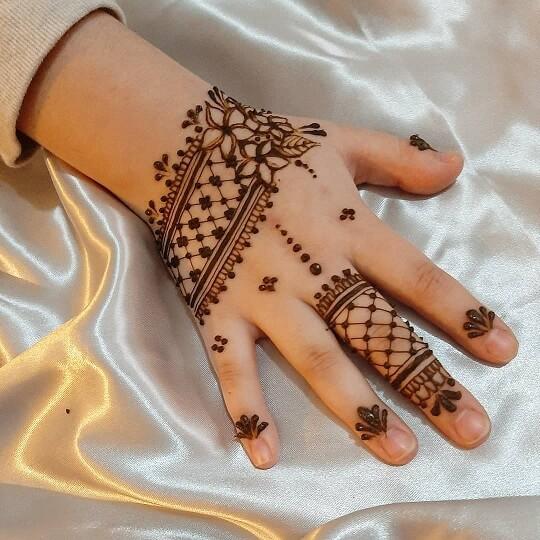 Mehndi Design for Baby Girl