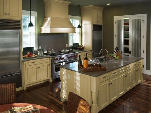 Triangularly shaped kitchen