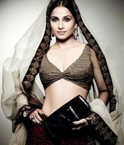 Bridal Blouse Designs-Choli Style Blouse 13