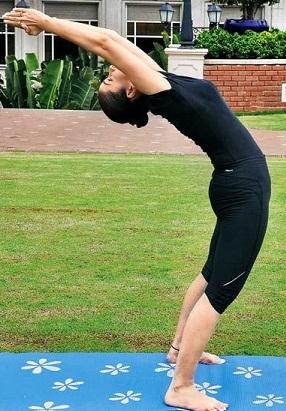 Hasta Uttanasana Yoga for More Breathing (Raised Arms Pose)