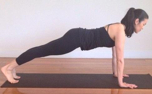 Effective Yoga Kumbhakasana (Plank Pose)