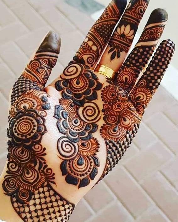 Latest Stylish Mehndi Design