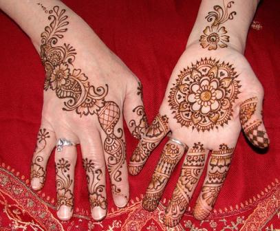 Round Flower Mehndi Design for Hands