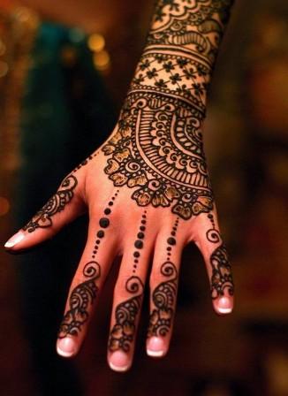 Pakistan Bridal Mehndi Design for Hands