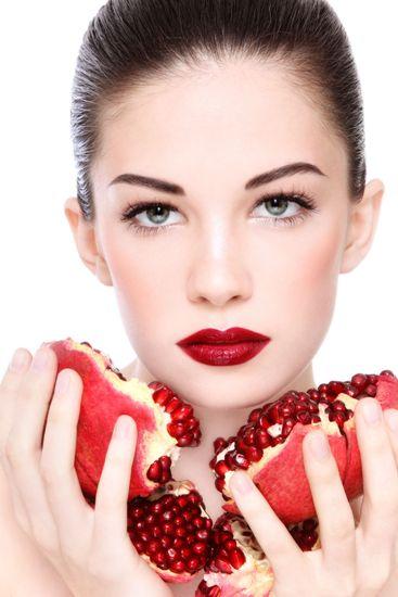 6 Best Pomegranate Face Packs