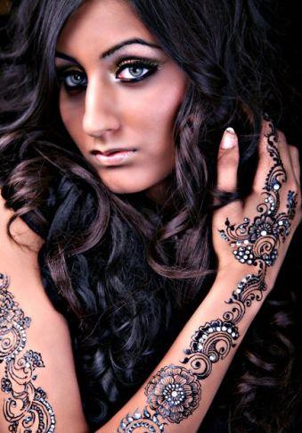 Bisha Mistry's mehndi designs6
