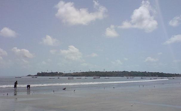 beaches-in-mumbai_versova-beach