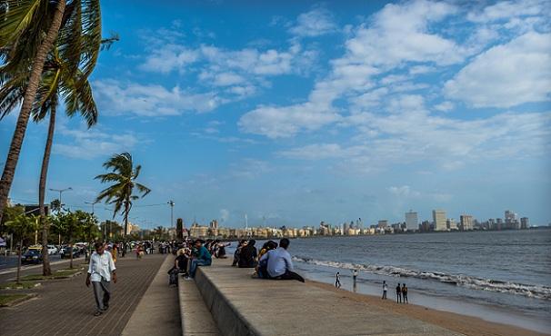 beaches-in-mumbai_marine-drive-beach