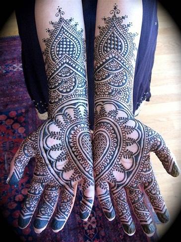 Bombay style mehndi designs2