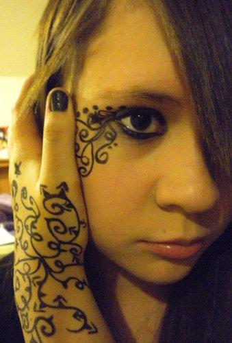 custom vine tattoo