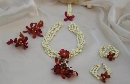 Mixed Flower Mehndi Flower Jewellery