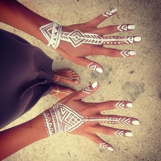white henna designs 4