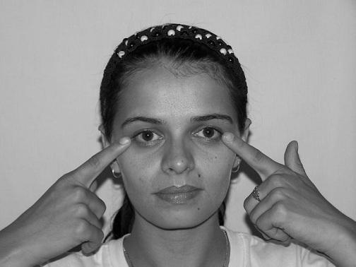 Rolling Eyes Yoga for Dark Circles