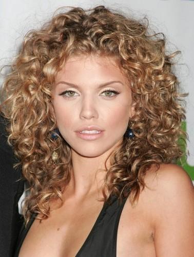 Medium Curly Hairstyles 1