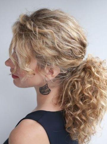 Medium Curly Hairstyles 3