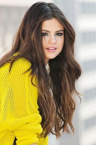 Selena Gomez Hairstyles3