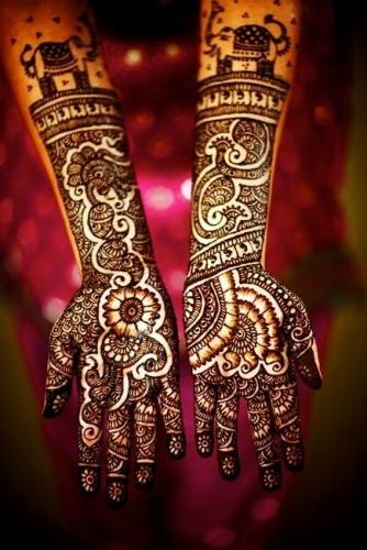Mehendi Designs For Monsoon Wedding