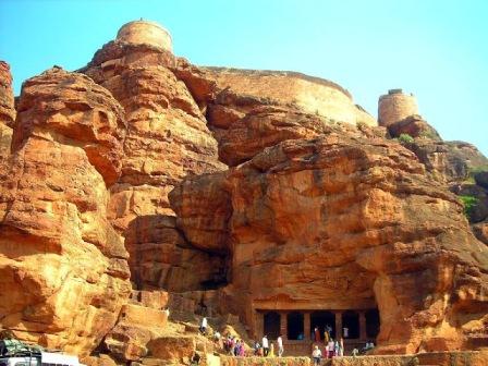 9 Facts for Badami Caves in Karnataka