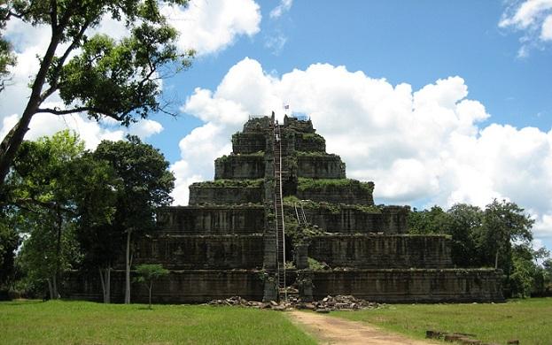 koh-ker_cambodia-tourist-places