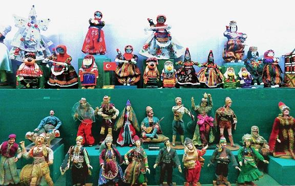 Famous Museums in Delhi-Shankar International Dolls Museum