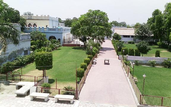 parks-in-agra-dayalbagh-gardens