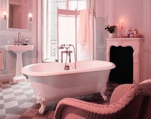 Hollywood style Bathrooms