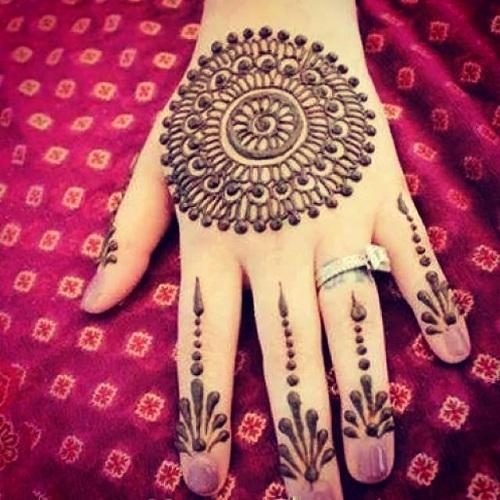 9 Latest and Popular Gol Tikka Mehndi Designs