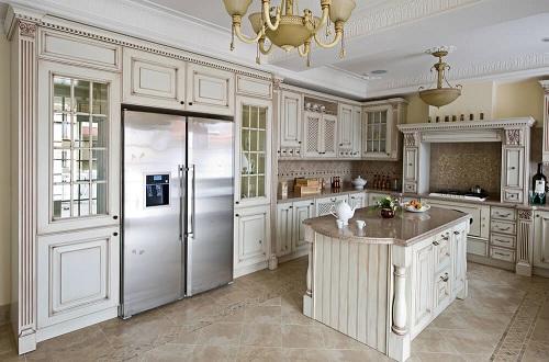 Classic Kitchen Design in White
