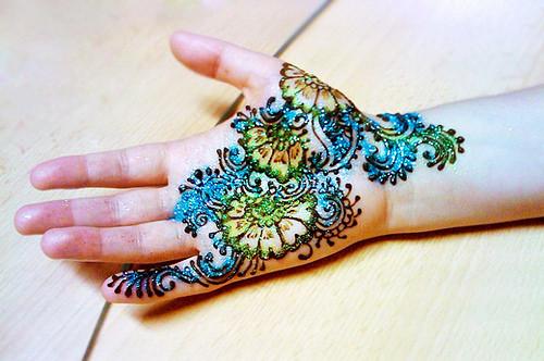 Glitter Mehandi Design For Diwali