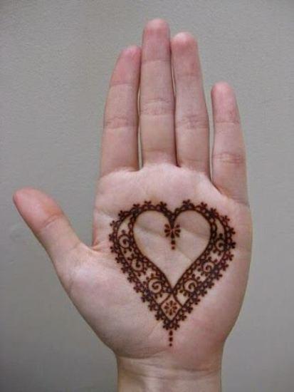 Heart mehandi desigsn 3
