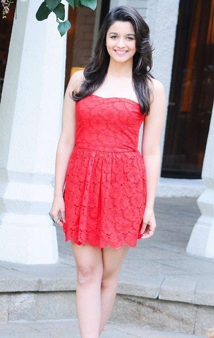 Actress Alia Bhatt height and weight