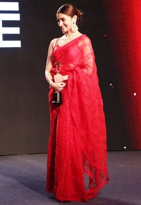 Award winner Alia bhatt