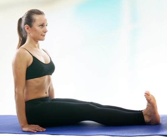 Dandasana (Staff Pose) – How To Do And Benefits