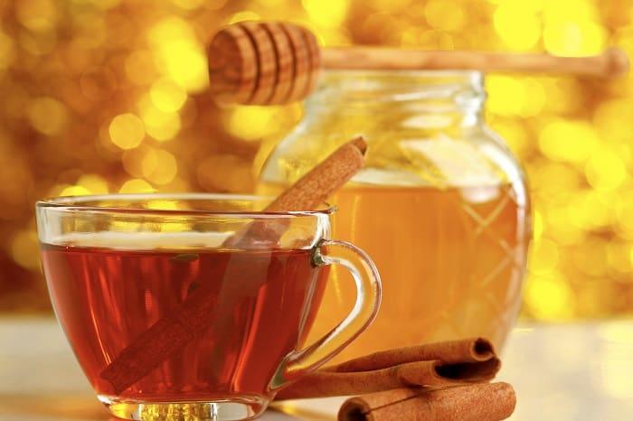 Honey and Cinnamon for sore throat