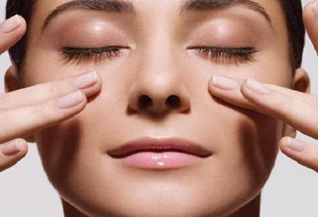 Massaging Eye