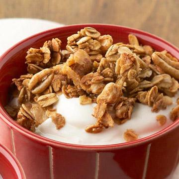 Yogurt and Walnut Face Pack