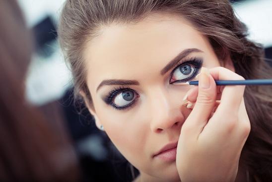 How to Wear Liquid Eyeliner Properly