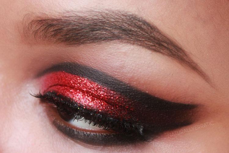 How to Do Vampire Eye Makeup?