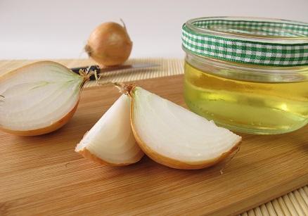 Onion Juice for Split Ends