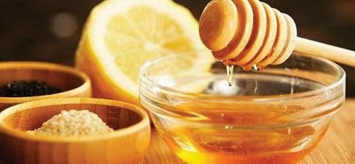 Lemon Juice, Turmeric, Milk and Honey