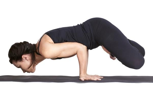 Padma Pinya Mayurasana (Elbow Balance) – How to do and Benefits